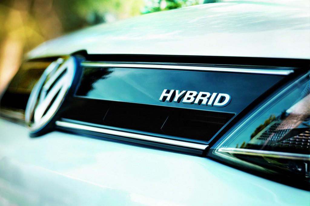 2013-Volkswagen-Jetta-Hybrid