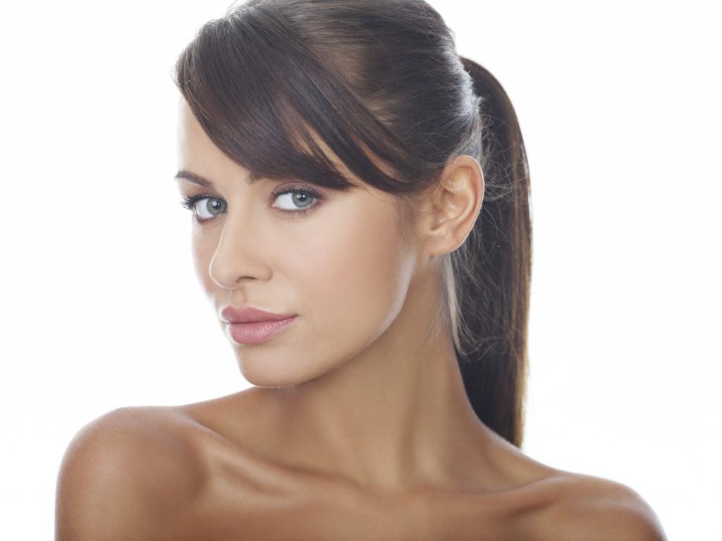 woman-showing-ear